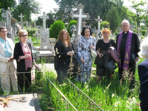 Devant la tombe de Charlotte Sibi - 26.06.2010
